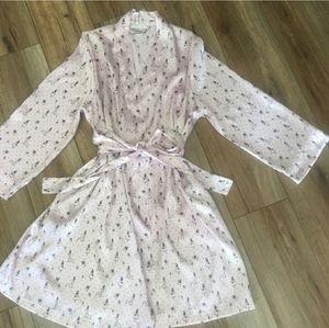 Morgan Taylor Silky Robe